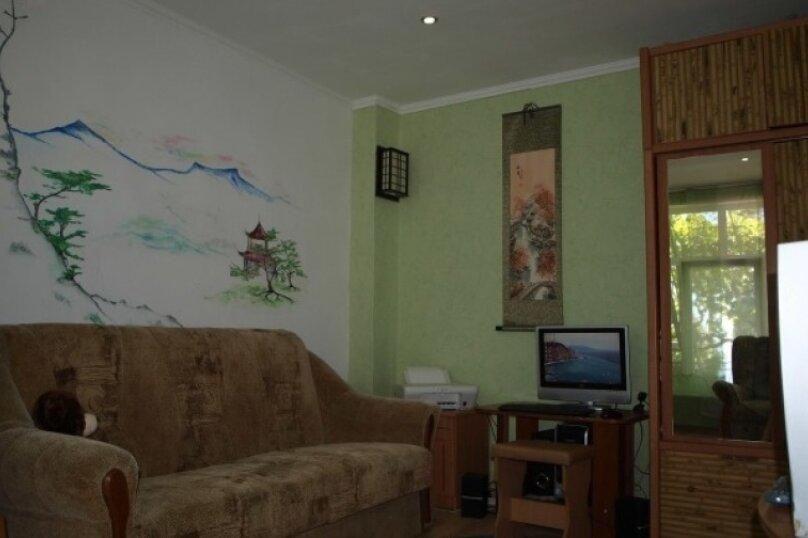 Комната на 3х, улица Изергина, 16, Алупка - Фотография 6