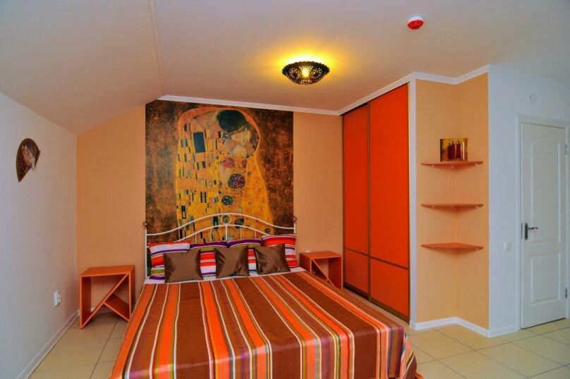 4-х местная семейная комната в мансарде, Школьный переулок, 30А, Коктебель - Фотография 9