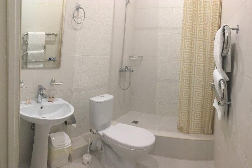 Большой двухместный номер с двуспальной кроватью, улица Молокова, 10, Адлер - Фотография 2