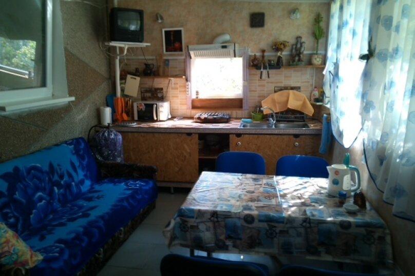 Дом-дача до 12 человек, 4 комнаты, большой двор, 200 кв.м. на 12 человек, 4 спальни, Раздольненское шоссе, 4, Евпатория - Фотография 10