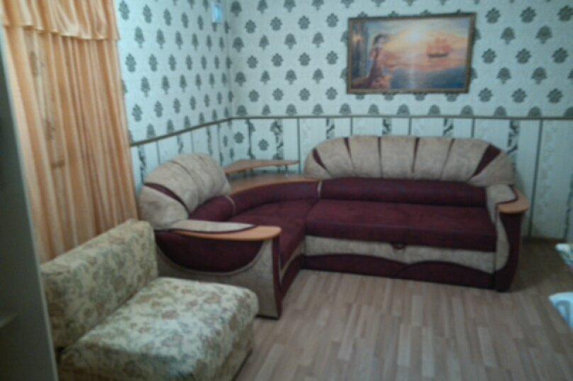 Дом-дача до 12 человек, 4 комнаты, большой двор, 200 кв.м. на 12 человек, 4 спальни, Раздольненское шоссе, 4, Евпатория - Фотография 15
