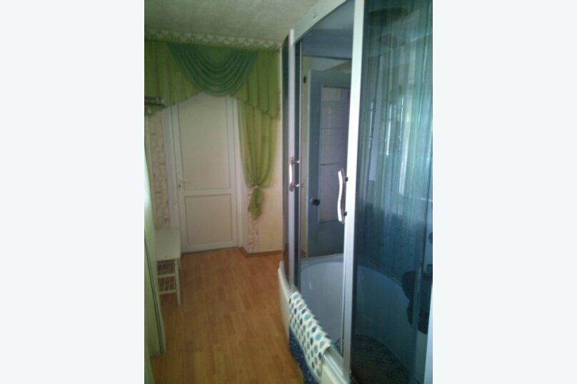 Дом-дача до 12 человек, 4 комнаты, большой двор, 200 кв.м. на 12 человек, 4 спальни, Раздольненское шоссе, 4, Евпатория - Фотография 18