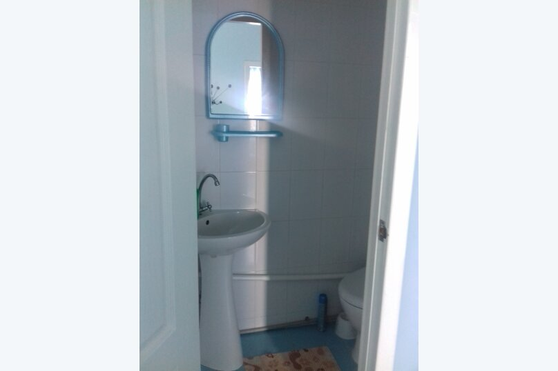 Номер 5-ти местный (кондиционер, душ, туалет, ТВ, Wi-Fi, холодильник, электрочайник ), Новая, 49, Поповка - Фотография 4