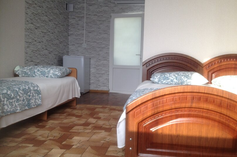 3х местный с удобствами и  возможным доп местом, Православная улица, 14А, Адлер - Фотография 5