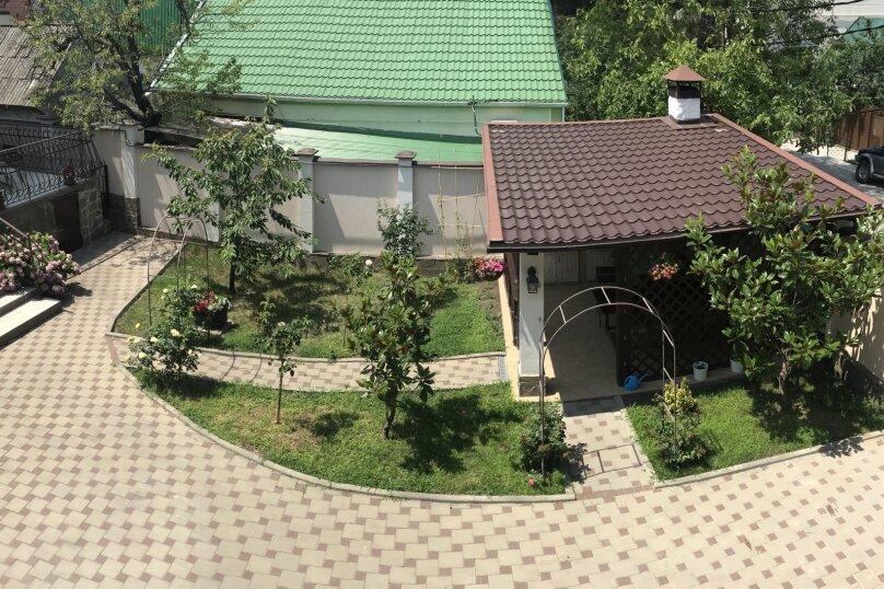 """Гостевой дом """"На Куйбышева 18"""", улица Куйбышева, 18 на 9 комнат - Фотография 18"""