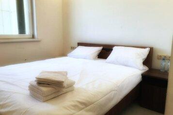 Стандарт:  Номер, Стандарт, 2-местный, Отель, улица Лётчика Ульянина на 14 номеров - Фотография 2