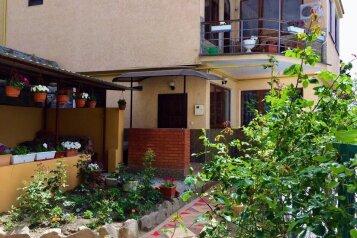 Дом в центре Ялты, 200 кв.м. на 8 человек, 3 спальни, улица Свердлова, 22, Ялта - Фотография 1
