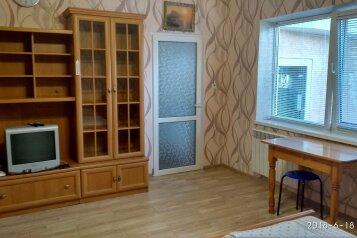 Двухэтажный домик, 40 кв.м. на 4 человека, 2 спальни, улица Ленина, Алупка - Фотография 4
