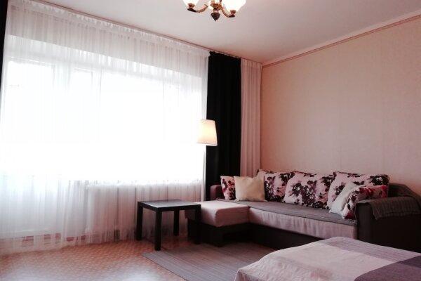 1-комн. квартира, 35 кв.м. на 4 человека, улица Кирова, 202, Тула - Фотография 1