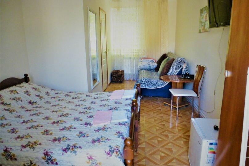 Двухместный номер стандарт с дополнительным спальным местом, Советская, 126, Голубицкая - Фотография 2