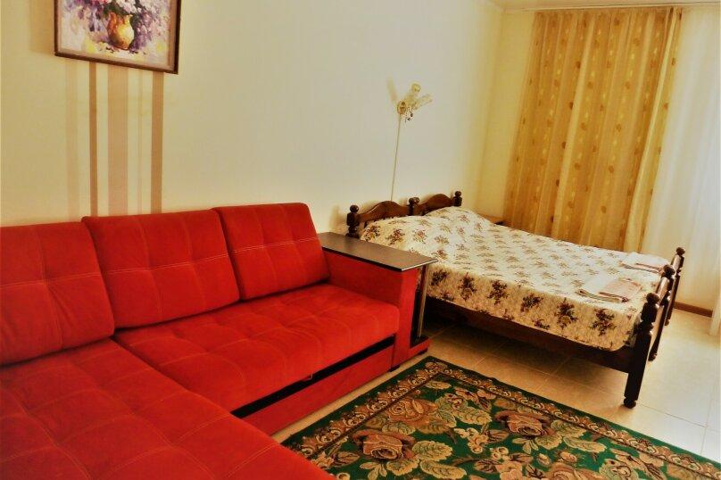 Четырехместный номер, Советская, 126, Голубицкая - Фотография 1