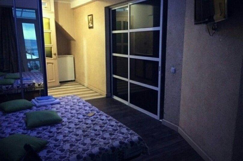 2х местный с балкончиком на втором этаже, Кооператив Волна, Эллинг , Алушта - Фотография 1