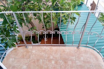 Двухэтажный домик, 40 кв.м. на 4 человека, 2 спальни, улица Ленина, 14, Алупка - Фотография 3