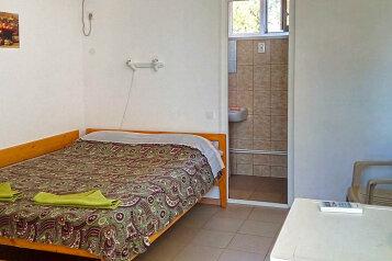 Гостевой дом в Тамани, улица Карла Маркса на 6 номеров - Фотография 2