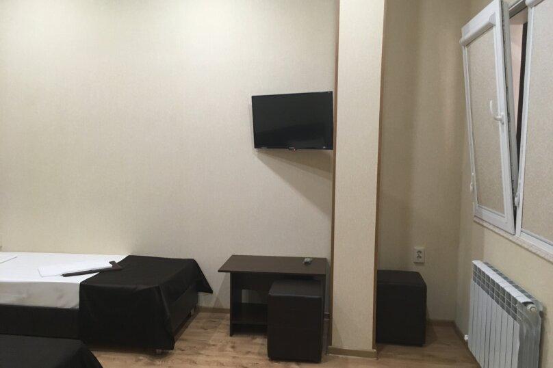 Номер с окном в коридор, 2 односпальные кровати, улица Молокова, 10, Сочи - Фотография 2