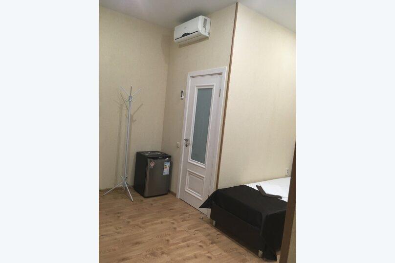 Номер с окном в коридор, 2 односпальные кровати, улица Молокова, 10, Сочи - Фотография 3
