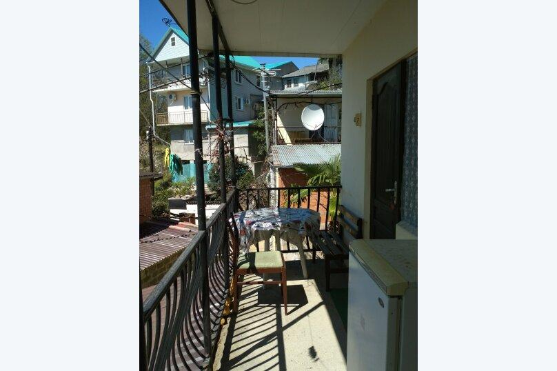Трёхместный номер с душем и балконом с видом на море, Весенняя улица, 25, Лоо - Фотография 6