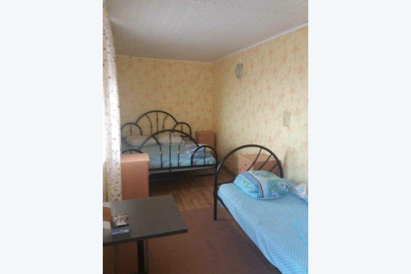 3-х местный с железными кроватями, улица Калинина, 21А, Должанская - Фотография 1