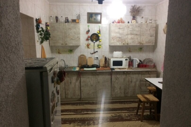 2-комн. квартира, 50 кв.м. на 5 человек, улица Гагарина, 50, Судак - Фотография 5