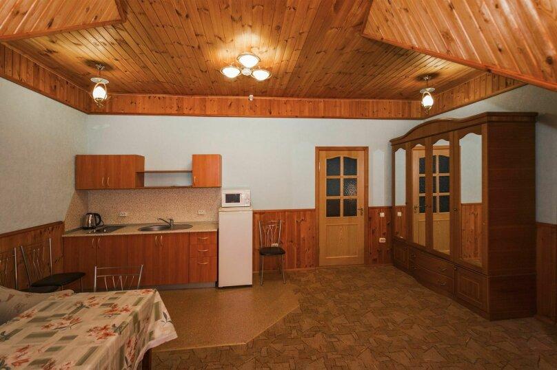 Гостевой дом Эдельвейс, Пионерский проспект, 103 на 10 комнат - Фотография 14