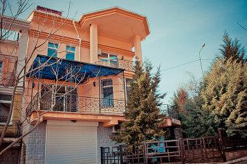Дом, 240 кв.м. на 6 человек, 3 спальни, Яузы, 21а, Ялта - Фотография 1