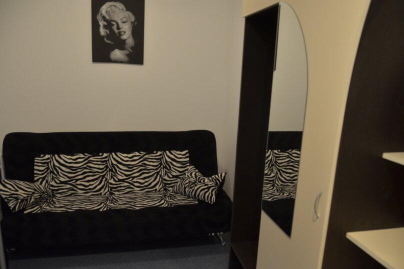 трехместный двух комнатный, улица Богдановой, 3А, Феодосия - Фотография 2