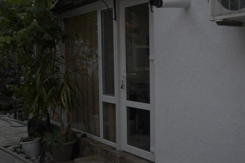 трехместный двух комнатный, улица Богдановой, 3А, Феодосия - Фотография 3