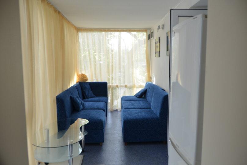 трехместный двух комнатный, улица Богдановой, 3А, Феодосия - Фотография 5