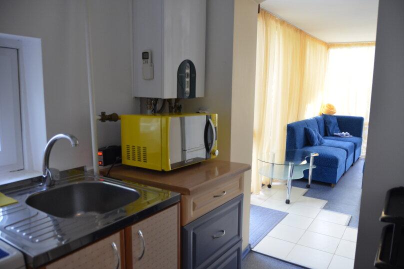трехместный двух комнатный, улица Богдановой, 3А, Феодосия - Фотография 7