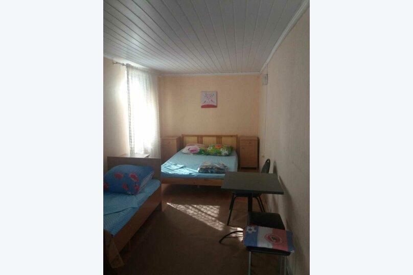 3-х местный с двуспальной кроватью и односпальной, улица Калинина, 21А, Должанская - Фотография 1