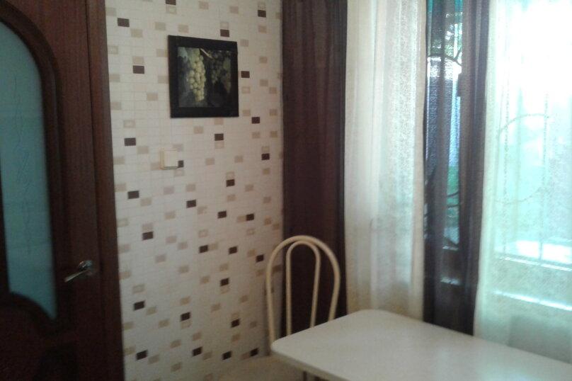 Отдельная комната, Комиссаровская улица, 16, Евпатория - Фотография 7