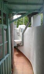 Жилье в Евпатории посуточно, 38 кв.м. на 3 человека, 2 спальни, улица Гагарина, Евпатория - Фотография 1