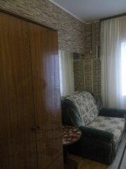 Апартаменты с кухней и удобствами на 2 номера, улица Чкалова на 2 номера - Фотография 2