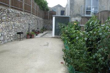 Дом, 60 кв.м. на 8 человек, 2 спальни, улица Нахимова, 22, поселок Орджоникидзе, Феодосия - Фотография 1