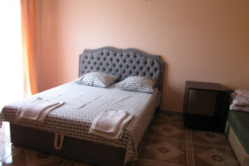 Дом, 60 кв.м. на 8 человек, 2 спальни, ул.нижняя, 8, поселок Орджоникидзе, Феодосия - Фотография 1