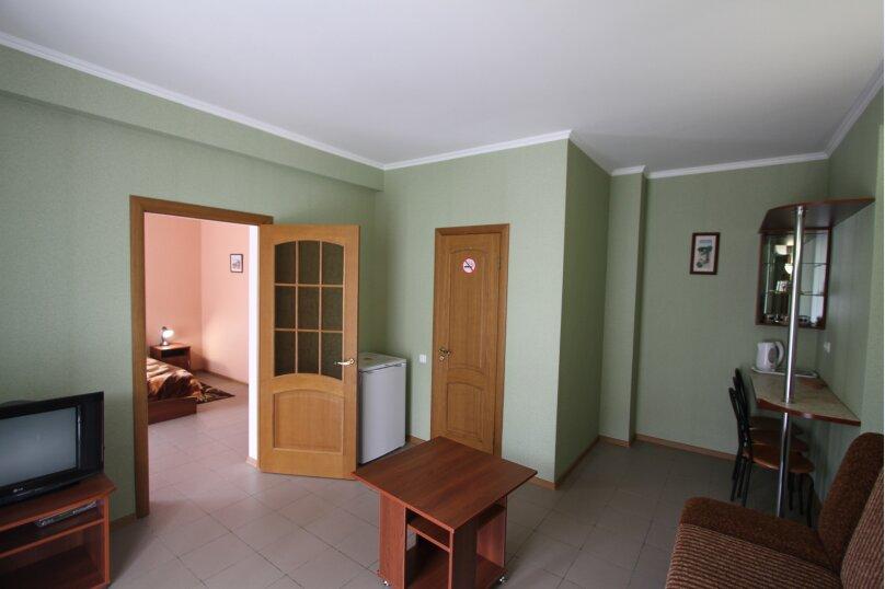 Двухкомнатный номер, Парниковая улица, 2, село Приветное - Фотография 1