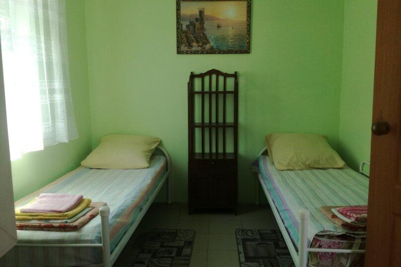 Дом 2-х комнатный на семью 5 чел/компанию  5 человек., 35 кв.м. на 5 человек, 2 спальни, Таманская улица, 114, Ейск - Фотография 15