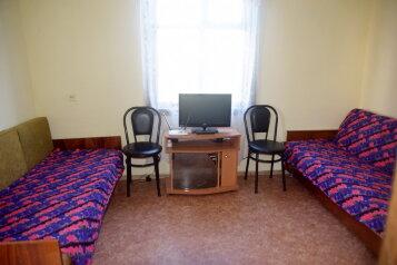 Дом, 80 кв.м. на 4 человека, 2 спальни, пос. Ветеран, Парковая, 138, Штормовое - Фотография 2