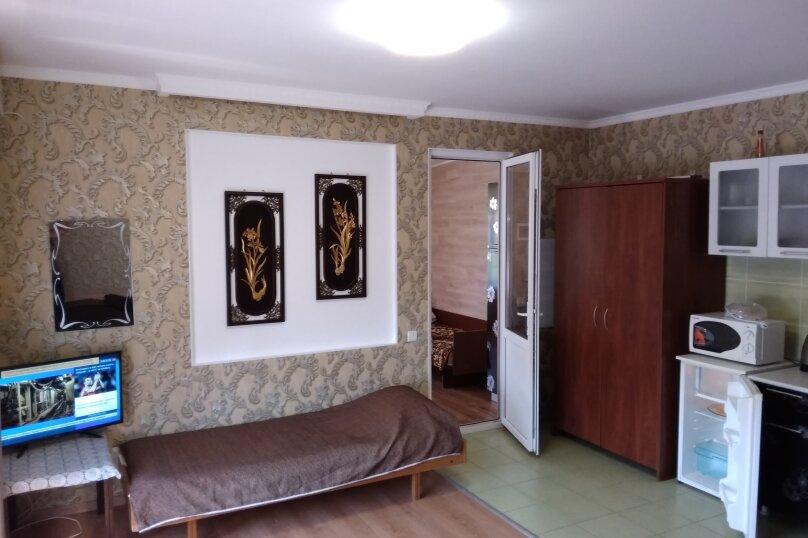 Гостевой дом в 10 минутах от моря с балконами, улица Ленина, 33/2 на 2 комнаты - Фотография 30