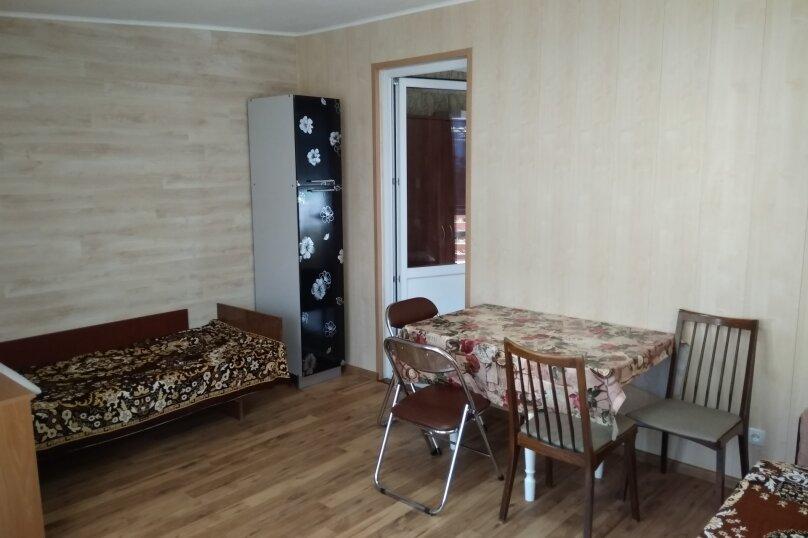 Гостевой дом в 10 минутах от моря с балконами, улица Ленина, 33/2 на 2 комнаты - Фотография 32