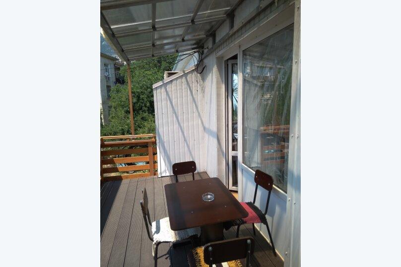 Гостевой дом в 10 минутах от моря с балконами, улица Ленина, 33/2 на 2 комнаты - Фотография 34