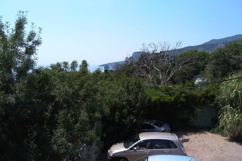 Двухкомнатный номер-студия, с балконом, видом на море и горы, улица Ленина, 33/2, Алупка - Фотография 1
