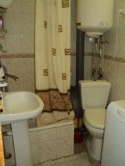 2-комн. квартира, 40 кв.м. на 5 человек, переул Больничный, 3, поселок Орджоникидзе, Феодосия - Фотография 4