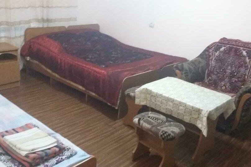 Трехместный номер с дополнительным спальным местом, улица Трудящихся, 24, Анапа - Фотография 6