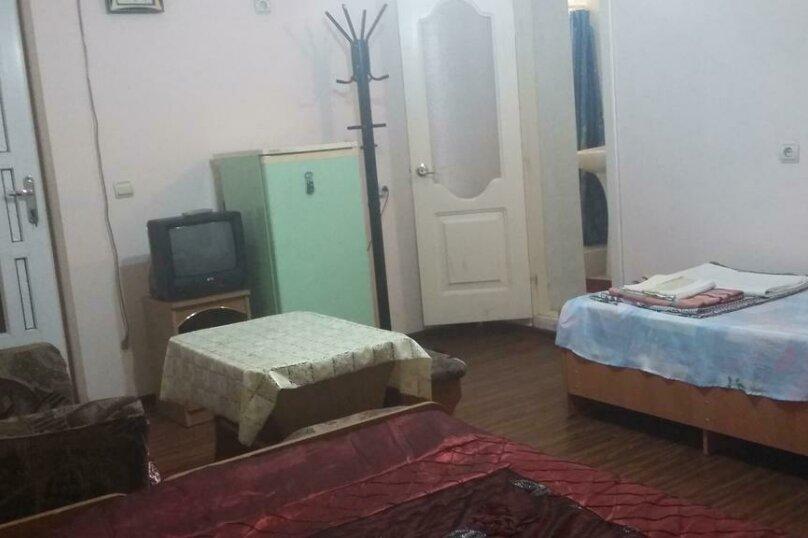 Трехместный номер с дополнительным спальным местом, улица Трудящихся, 24, Анапа - Фотография 8