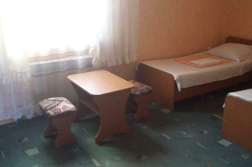 Трехместный номер с дополнительным спальным местом, улица Трудящихся, 24, Анапа - Фотография 11