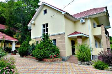 Гостевой дом, Лева щель, ул. Солнечная на 8 номеров - Фотография 1