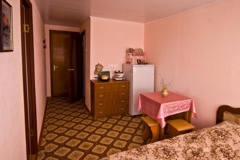 2-х комнатный номер, улица Космонавтов, 9, Голубицкая - Фотография 2
