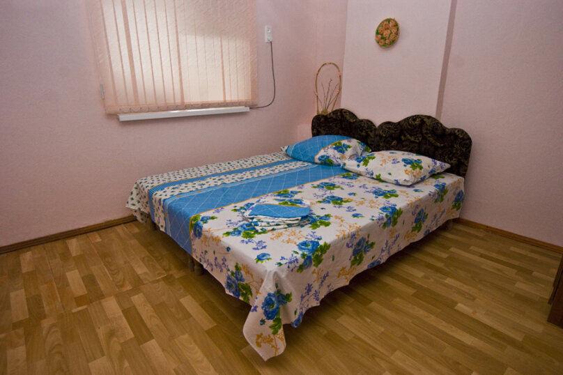 2-х комнатный номер, улица Космонавтов, 9, Голубицкая - Фотография 3