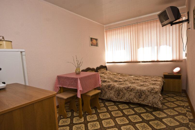 2-х комнатный номер, улица Космонавтов, 9, Голубицкая - Фотография 1